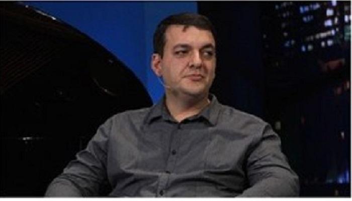 Məşhur erməni bloger Gəncənin vurulmasına görə Paşinyanı ittiham etdi