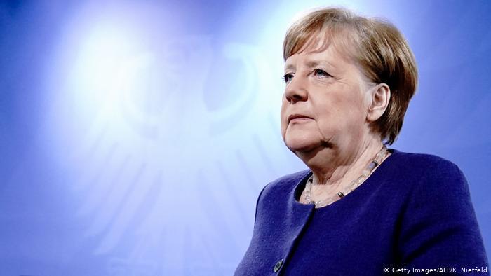 Merkel tərəfləri humanitar fasiləyə çağırdı