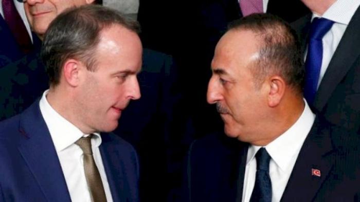 Cavusoglu a discuté du Karabakh avec son homologue britannique