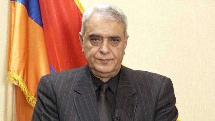 شاهنازاريان يدعو باشينيان إلى الاستقالة