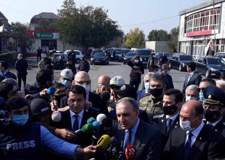 Xarici diplomatlar terrora məruz qalan Bərdədə -  VİDEO