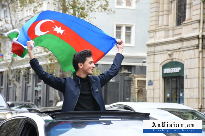 In Baku streets, people cheer with joy after liberation of Shusha -  PHOTOS/VIDEO
