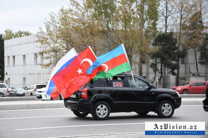 Kalbadschar- Marsch in Baku -   FOTOS