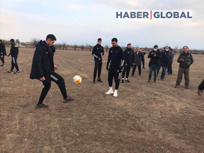Le club de football «Qarabag FK» dans le stade d