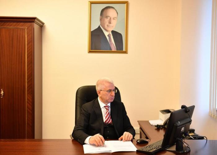 Parlamentin komitə iclası keçirilib