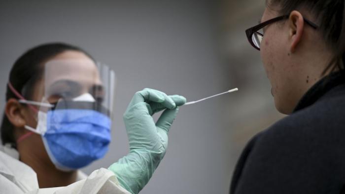 ABŞ-da hər gün yüzlərlə insan koronavirusdan ölür