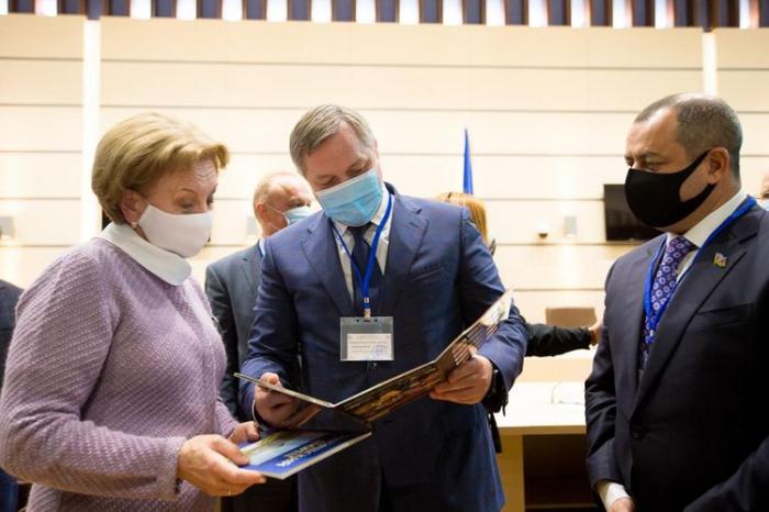 Adil Əliyev Moldova Parlamentinin sədrilə görüşdü