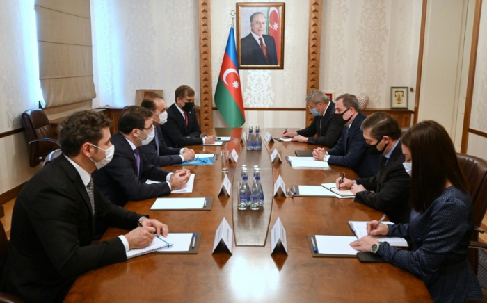 Azerbaijani FM recieves Secretary General of the Turkish Council