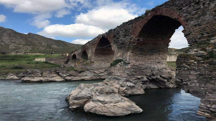Armenia plunders over 700 monuments in occupied Azerbaijani lands
