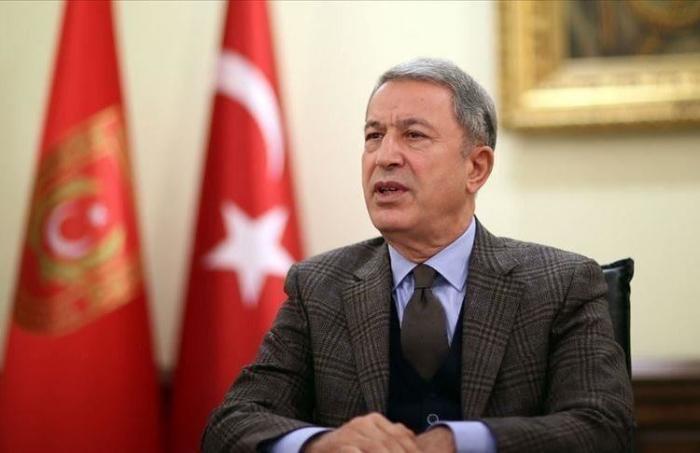 """""""Türkiyənin yeri həm döyüş meydanında, həm də danışıqlar masasındadır"""" -    Hulusi Akar"""
