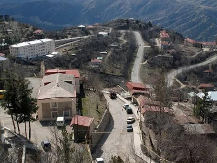 Armenians begin to leave Azerbaijan's Lachin