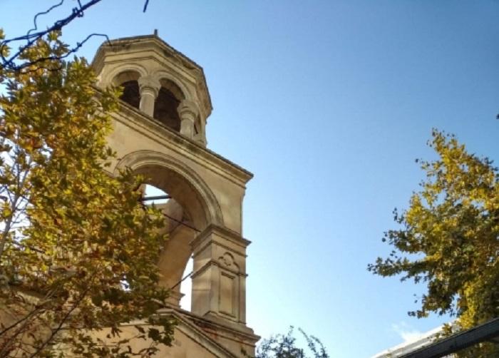 Fransalı deputatlar Bakıdakı erməni kilsəsində -  FOTO
