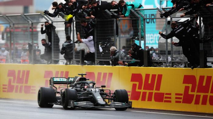 Hamilton equals Schumacher