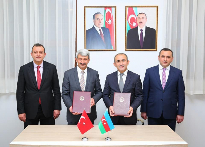 Azerbaijan, Turkey ink memorandum on healthcare sphere