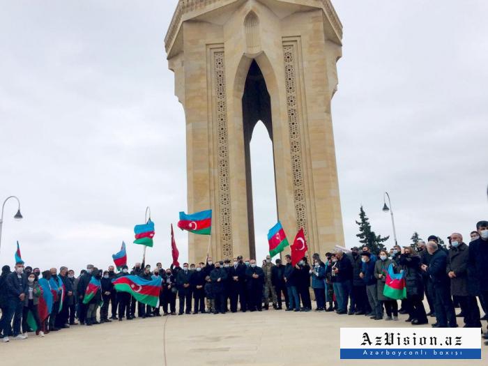 Des Azerbaïdjanaiscélèbrent la libération de la région d