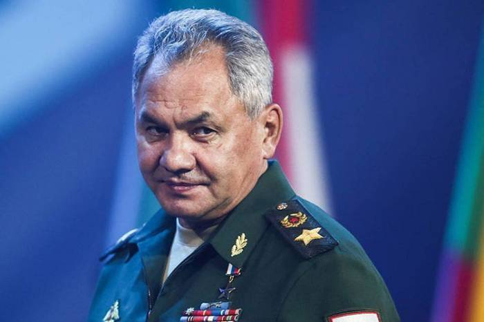 Russian defense minister visits Yerevan