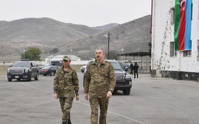 Le Président Ilham Aliyev et Mehriban Aliyeva ont visité la région d