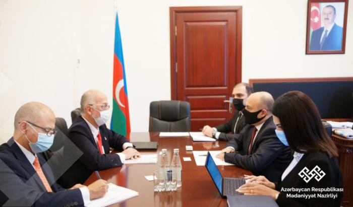 Embajador de México se reúne con el ministro interino de Cultura de Azerbaiyán