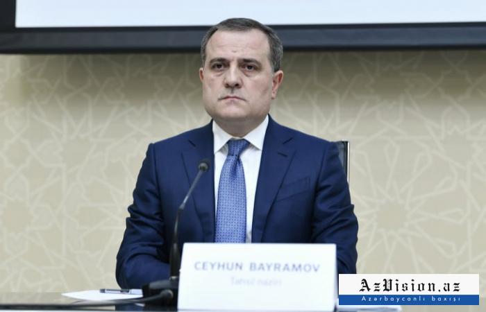"""""""Wir können eine friedliche, erfolgreiche und stabile Zukunft erreichen""""   - Jeyhun Bayramov"""