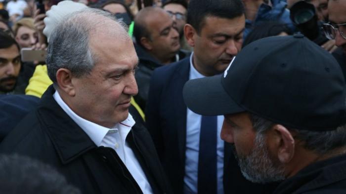 El gobierno actual debe irse-   Presidente armenio