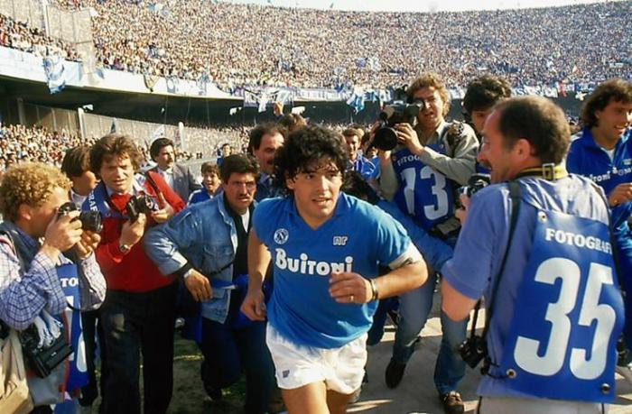 El estadio San Paolo de Nápoles llevará el nombre de Diego Armando Maradona