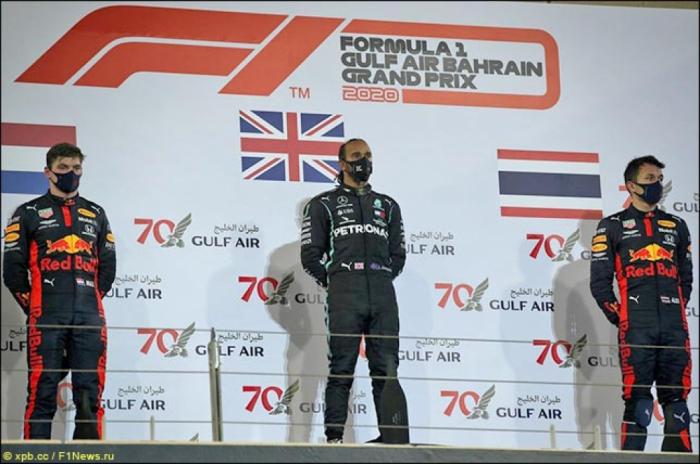 Hamilton wins F1 Bahrain Grand Prix