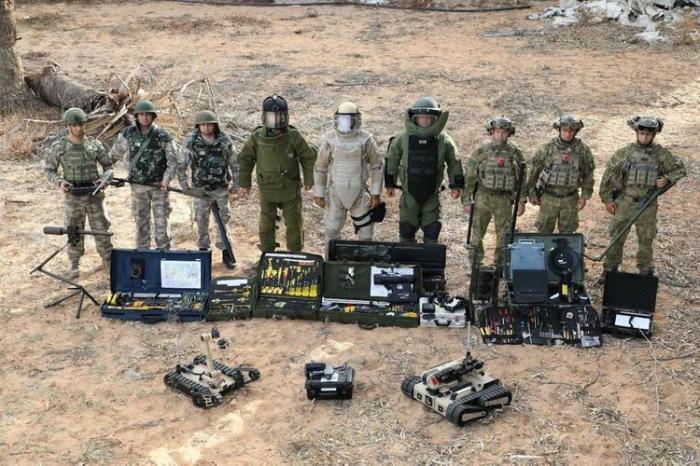Los grupos de búsqueda de minas de Turquíalanzan operación en Karabaj
