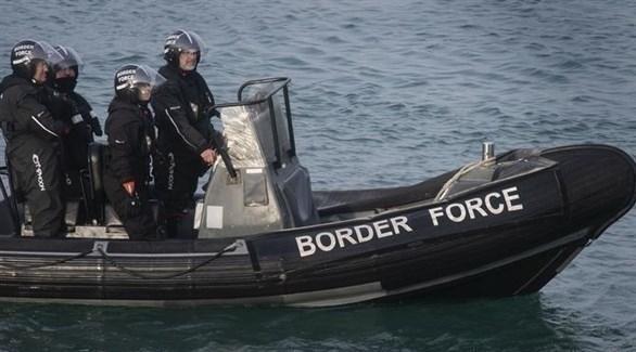 بريطانيا وفرنسا توقعان اتفاقية للحد من عبور المهاجرين
