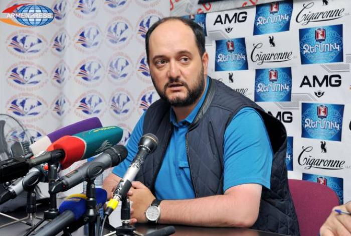 Ermənistanın təhsil naziri də istefa verdi
