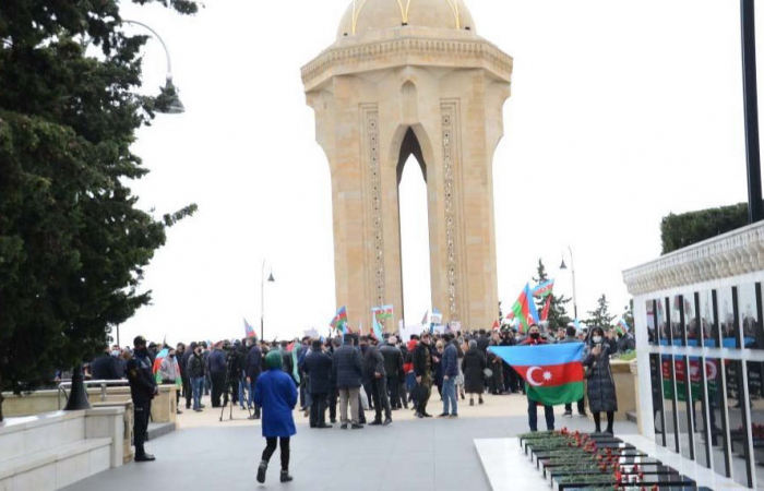Azerbaijani people visit Alley of Martyrs after liberation of Aghdam -  PHOTOS