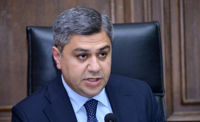 """""""Siyasi böhran ölkə dağılanadək davam edəcək"""" -    Artur Vanetsyan"""