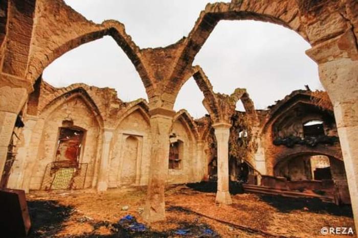 "Famoso fotógrafo:   ""En Karabaj vi cementerios destruidos, mezquitas convertidas en establos"""