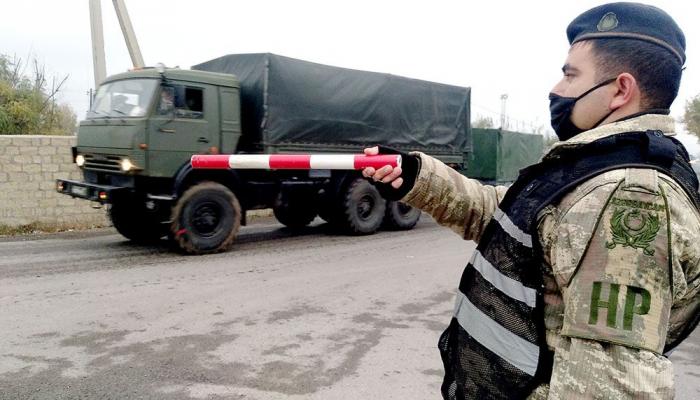 Des moyens logistiques militaires sont apportés pour les soldats de la paix russe au Karabagh -  VIDEO