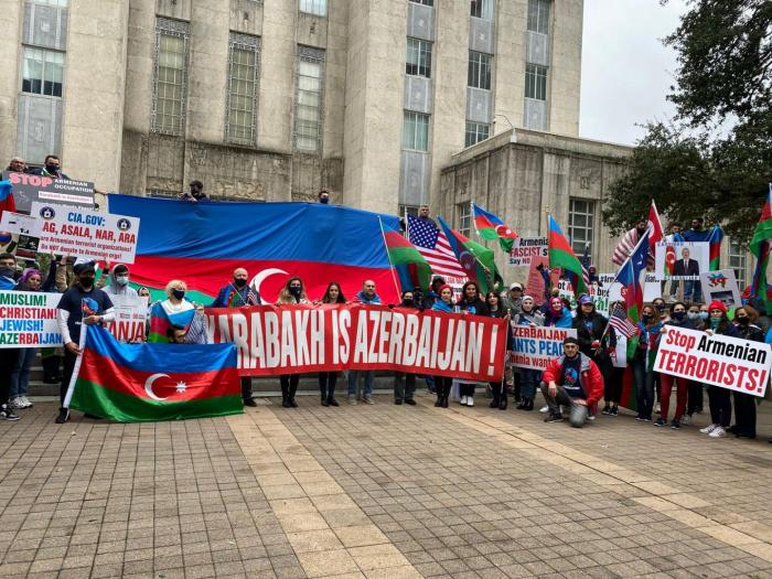 Azerbaijanis hold rally in Houston -  PHOTO