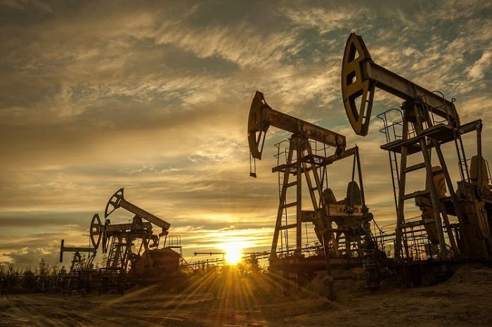 10 ayda neft hasilatı azalıb, qaz isə artıb