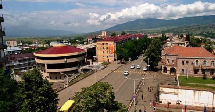 Armenian officials flee Karabakh