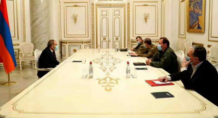 Paşinyan hərbi-diplomatik korpusu topladı -  Qarabağ müzakirəsi