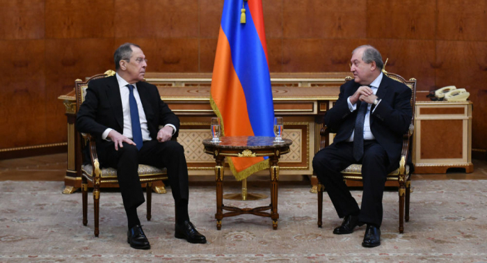 There are big problems in the economic sector in Armenia - Sarkissian