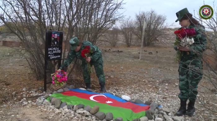 Qızları Allahverdi Bağırovun məzarını ziyarət etdi -  VİDEO