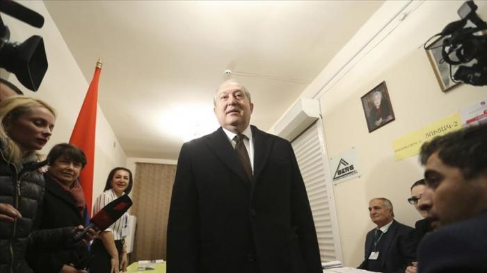 Sarkissian appelle à la démission du gouvernement et à la tenue d