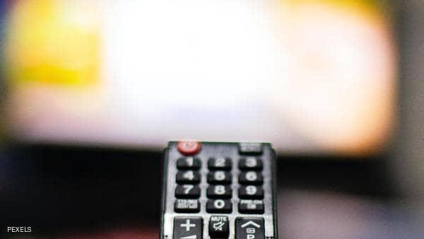 هل تغلق التلفزيون ثم تنام؟ هذا ما تفعله بنا العادة الكارثية