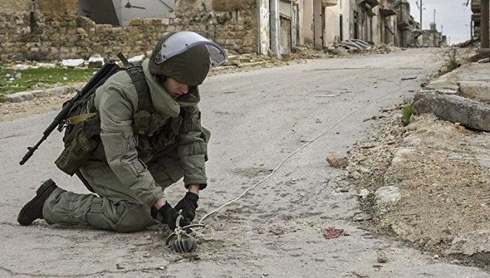 Les soldats de la paix russesdésamorcent près de 1 000 explosifs au Karabagh