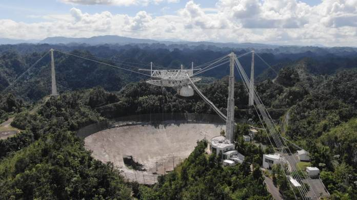 Video shows moment the Arecibo Telescope collapsed -  NO COMMENT