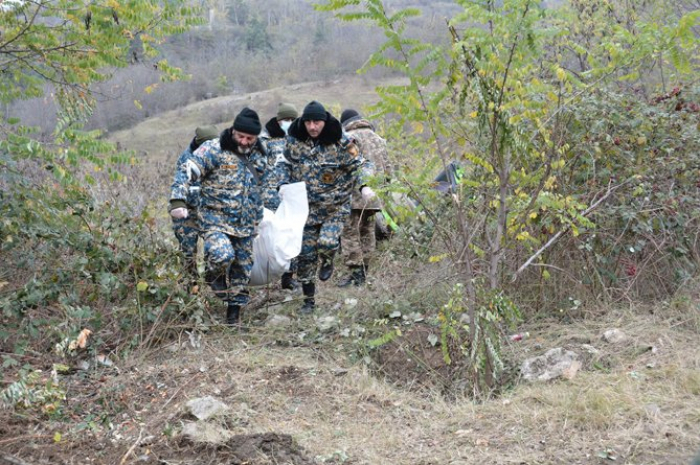 Armenia recovers bodies of nearly 700 dead servicemen