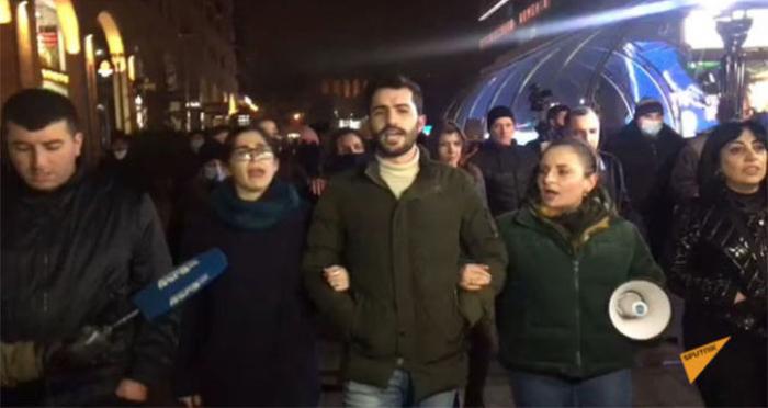 تم تنظيم مسيرة للمطالبة باستقالة باشينيان -   فيديو