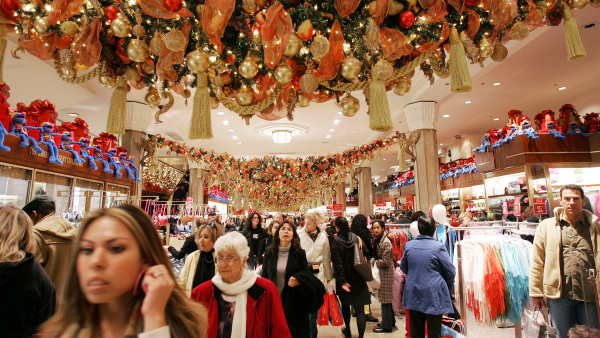 Is it smart to go holiday shopping during pandemic? -   iWONDER