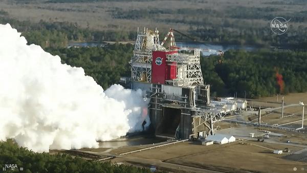 """ناسا: انتهاء اختبار إطلاق """"الصاروخ الجبار"""" قبل الأوان"""