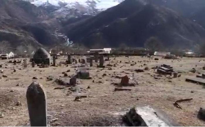 صوت الأذان يبدء في مقبرة كيلبجار بعد 27 عامًا -   فيديو