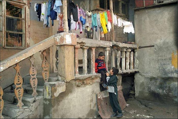 Ermənistanda iqtisadi çöküş:  -
