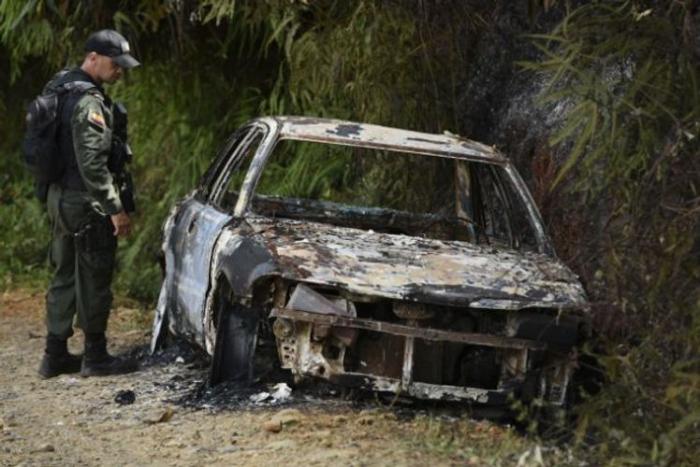 Meksikada 19 nəfəri öldürərək yandırıblar